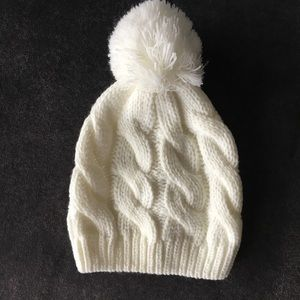 NWOT Free People White Pom-Pom Hat